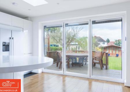 air-aluminium-bifold-door-everglade-windows-Brent