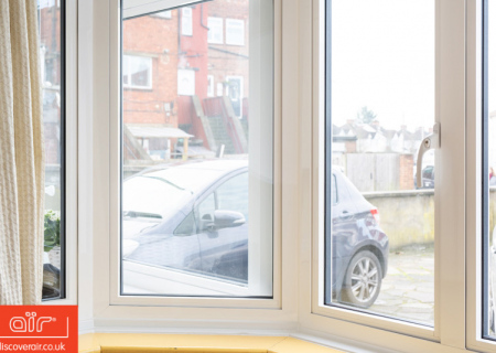 Tilted-open-air-flush-aluminium-windows