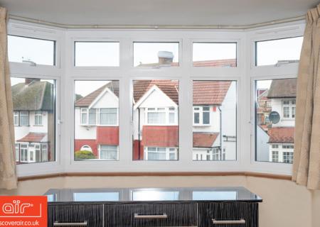 White-aluminium-fliush-sash-window-Stoke-Poges