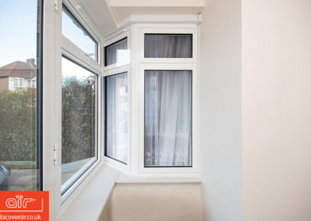 White-aluminium-flush-sash-window-Beaconsfield