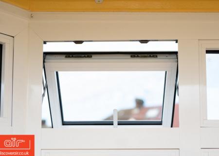 White-aluminium-flush-sash-window-Bushey