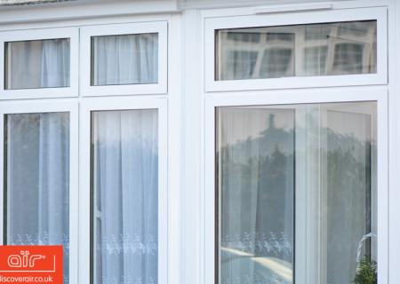 White-aluminium-flush-sash-window-East-Finchley