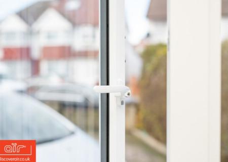 White-aluminium-flush-sash-window-Kensington