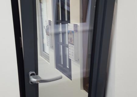 Aluminium-tilt-and-turn-window-tilting-open