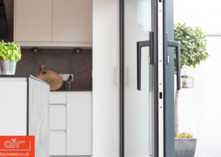 aluminium-sliding-doors-in-open-plan-kitchen-in-wembley