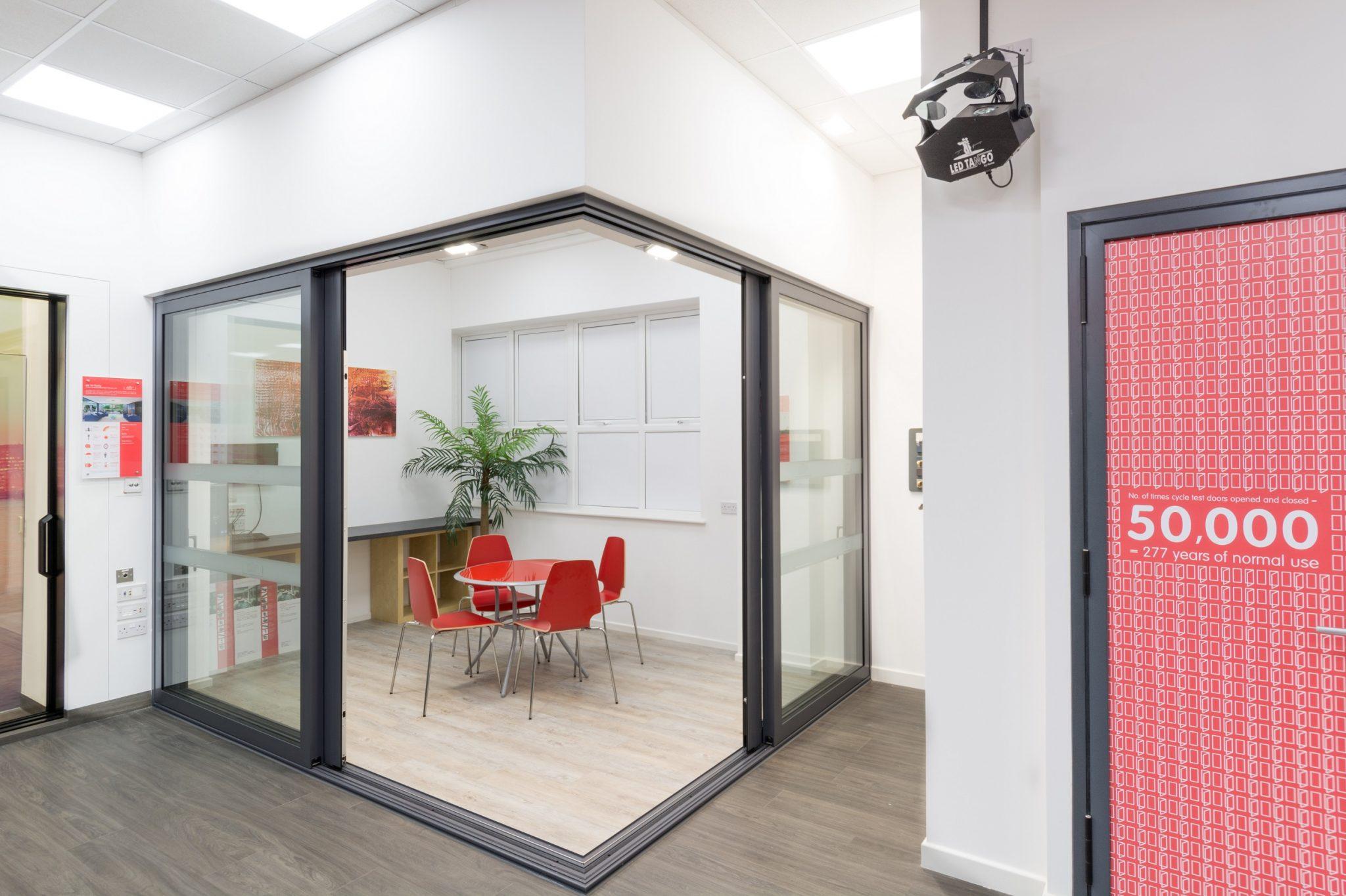discover air cornerless sliding doors glazing
